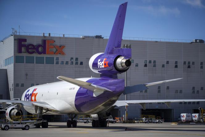 Le centre de tri FedEx de l'aéroport de Roissy-Charles-de-Gaulle, dans le Val-d'Oise, en août 2018.