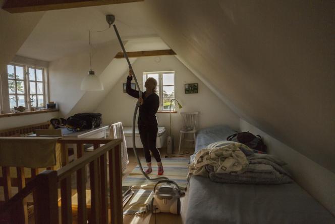 Grand nettoyage dans un foyer.