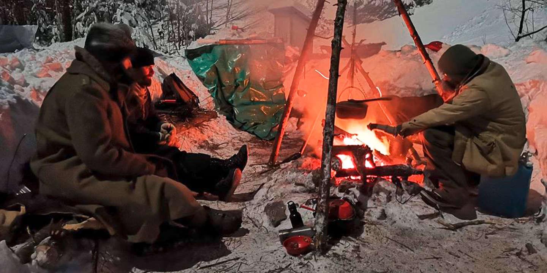 Construire des abris, se nourrir, se vêtir en milieu sauvage… Au Québec, les champions du survivalisme