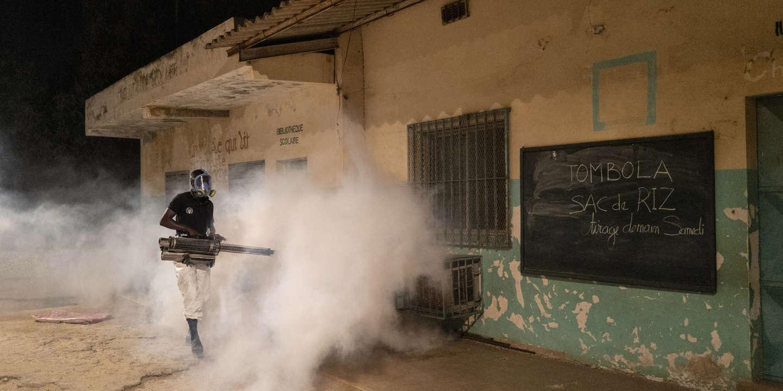 L'Afrique, potentiel prochain foyer du coronavirus, mise sur la chloroquine