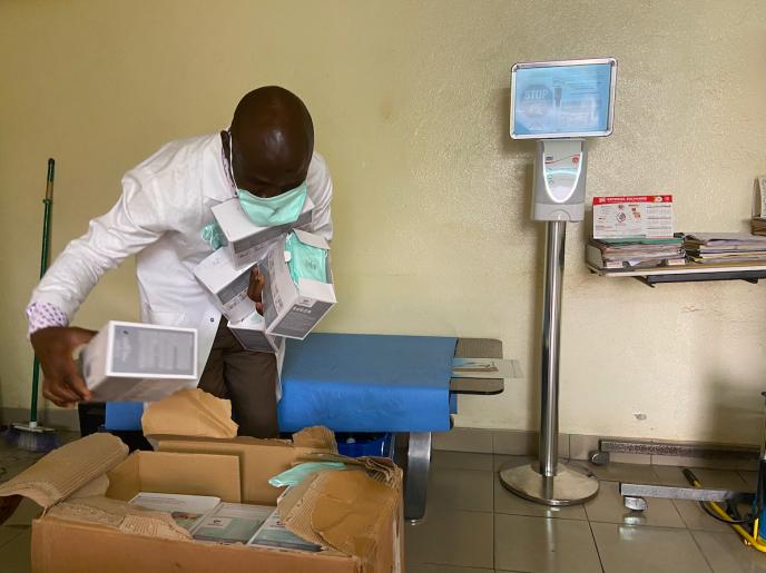 A l'hôpital de district de Deïdo, à Douala, au Cameroun, le 10 mars 2020.