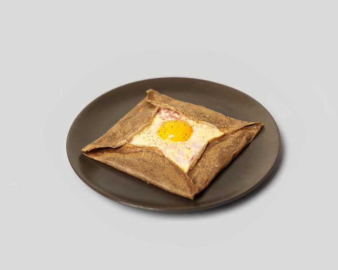 La galette de sarrasin complètejambon-œuf-fromage.