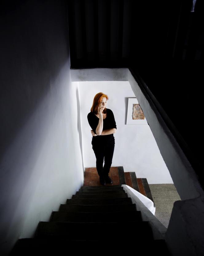 L'écrivaine Lydie Salvayre, chez elle, en 2013.