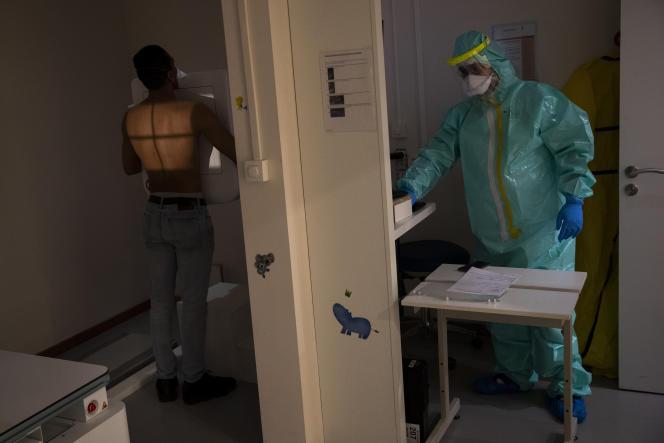 A la polyclinique Klinicare, à Bruxelles, le 6 avril.
