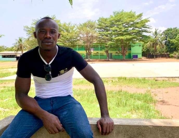 Kadio Ernest Abalo, journalier dans le BTP, à Abidjan en avril 2020.