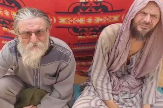 Cette image des otages italiens Pier Luigi Maccali (à gauche) et Nicola Ciacco, extraite d'une vidéo djihadiste, a été diffusée par le journal nigérien«Aïr Info».