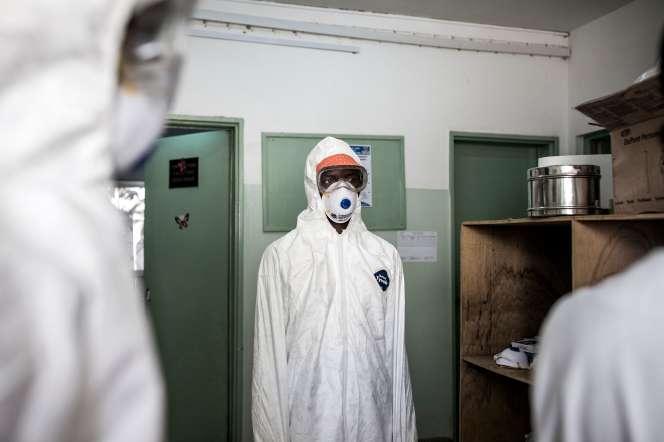 La zone accueillant les patients infectés par le Covid-19, à l'hôpital Fann de Dakar, le 1eravril.