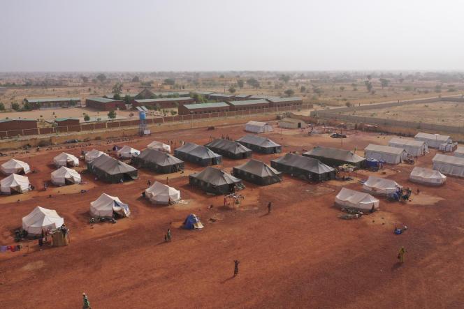 Vue aérienne du camp de personnes déplacées dans la ville de Sévaré, au centre du Mali, le 28 février.