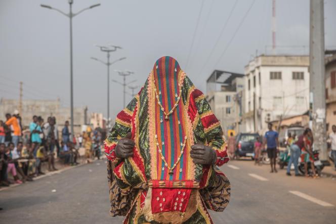 Parade vaudou lors du Festival international de Porto-Novo, au Bénin, le 11janvier 2020.