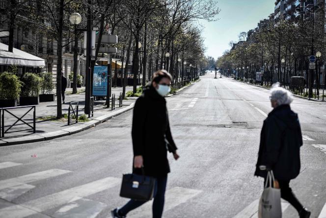 Lors du dixième jour de confinement à Paris, le 26 mars.