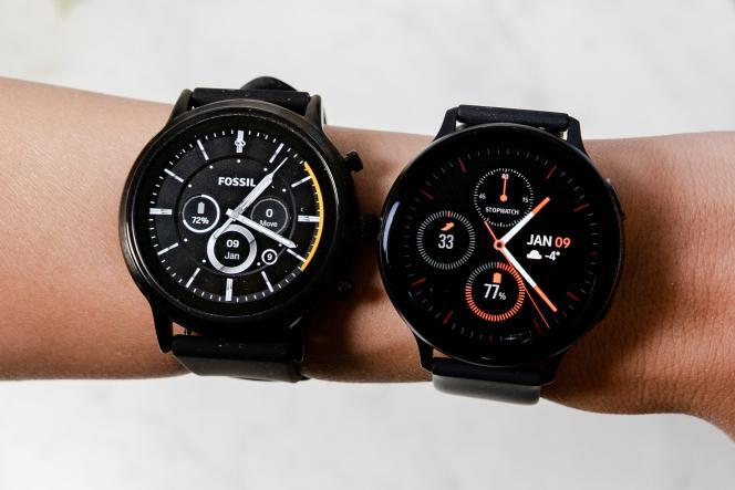 La Gen 5 de Fossil (à gauche) et la Galaxy Watch Active2 de Samsung (à droite).