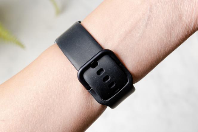 La Galaxy Watch Active2 est dotée d'un bracelet en silicone léger mais résistant qui ne colle pas au poignet comme certains modèles moins chers. Crédits photo: Sarah Kobos