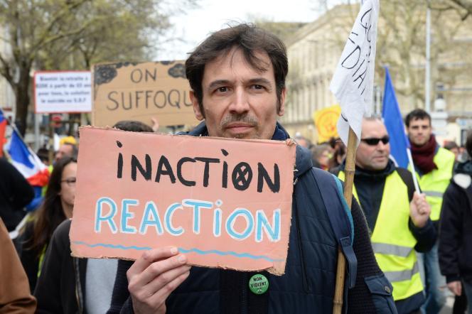 Lors d'une manifestation pour la lutte contre le changement climatique, à Bordeaux, le 14 mars.