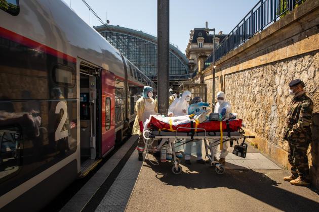 Une des rames du convoi a été gérée par des médecins de l'armée.