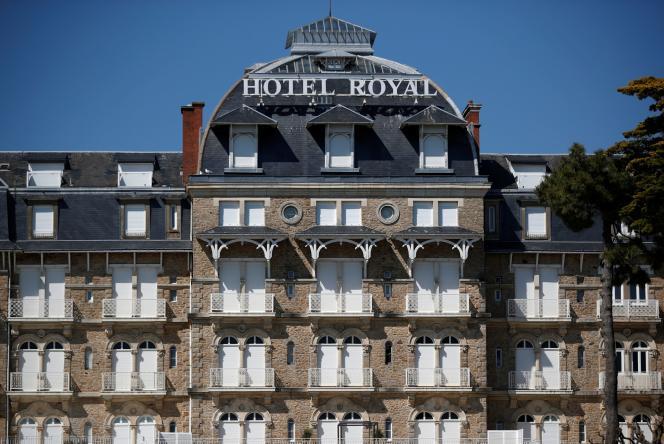 Un hôtel fermé à La Baule, le 10 avril.