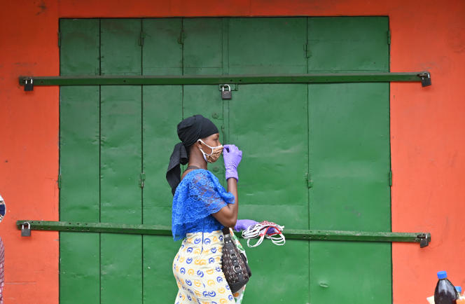 Dans une rue du quartier d'Adjamé, à Abidjan, le 30 mars 2020.