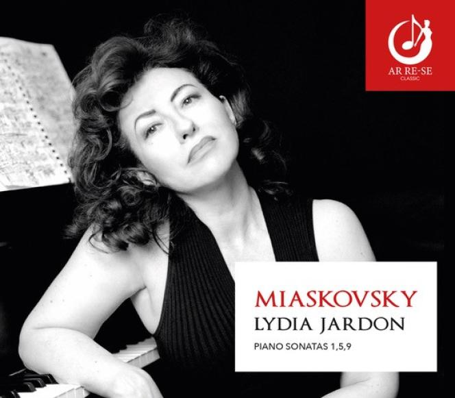 Pochette de l'album«Sonates pour piano 1, 5, 9», deNikolai Miaskovsky, par Lydia Jardon.