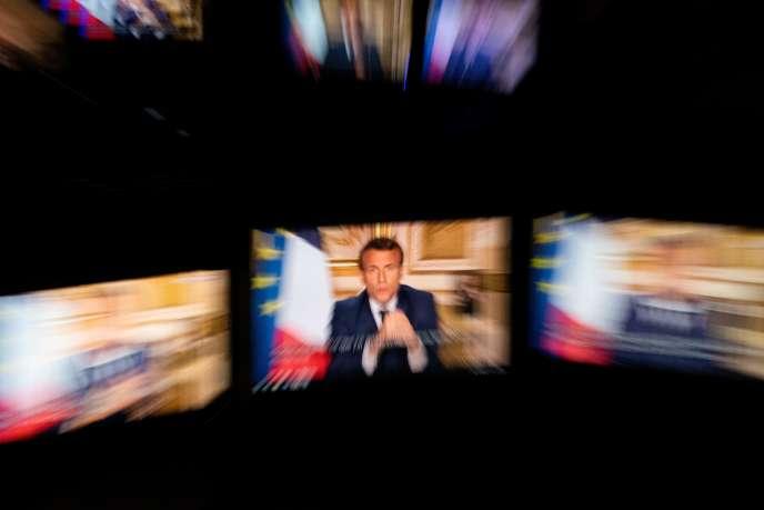 Discours télévisé d'Emmanuel Macron depuis l'Elysée, le 13 avril.