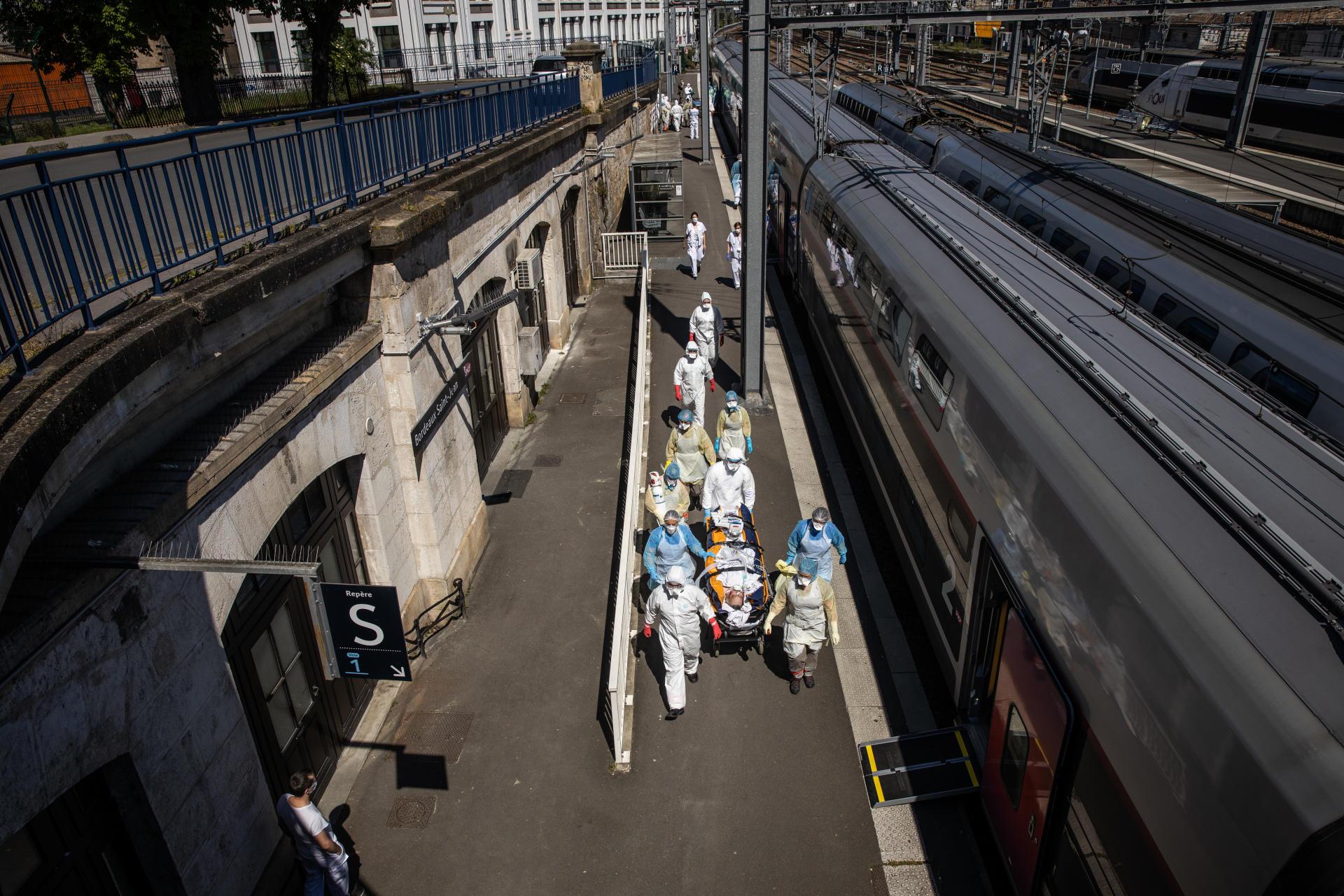 Les patients venus d'Ile-de-France seront transferés dans des hopitaux de la région bordelaise.