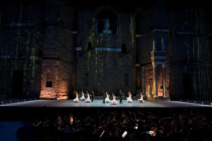 Des danseurs espagnols se produisent sur scène lors de la répétition générale de «La Nuit espagnole» aux 150e Chorégies d'Orange, le 5juillet2019.