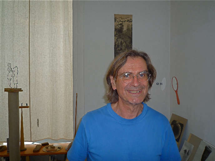 Markus Raetz, en 2009, dans son atelier à Berne (Suisse).