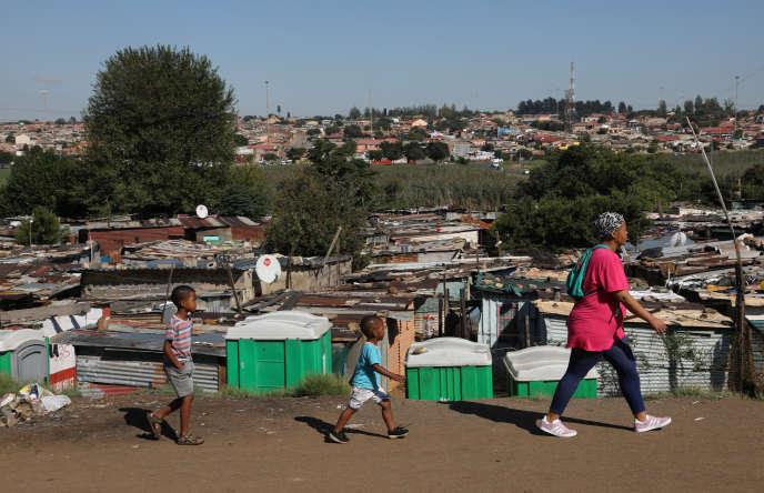 Dans Kliptown, à Soweto, en Afrique du Sud, le 19 mars 2020.