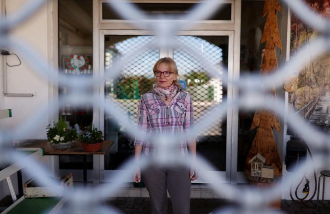 Nathalie Zitter, fleuristeà Stiring-Wendel, le 14 avril 2020.