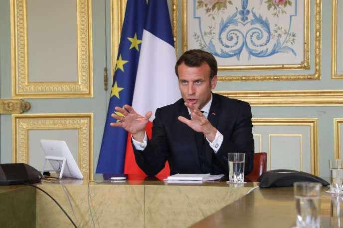 Emmanuel Macron lors d'une vidéoconférence à l'Elysée, le 8 avril.