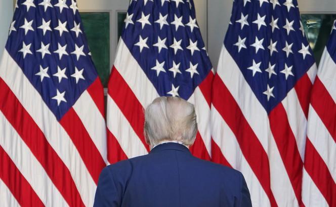 Donald Trump à la fin de son point presse quotidien sur l'épidémie de Covid-19, le 15 avril à la Maison Blanche.