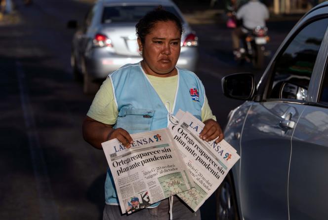 « Daniel Ortega réapparaît, sans aucun plan contre la pandémie», titre le journal «La Prensa», le 16 avril.