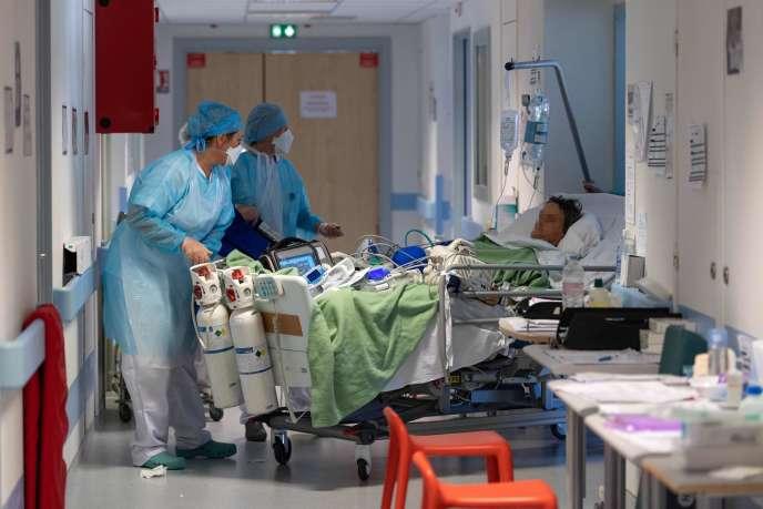 Patient à l'hôpital Emile-Muller, à Mulhouse, le 17 avril.
