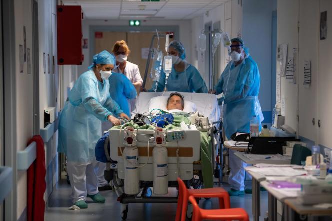 Un patient transféré en réanimation le 17 avril 2020 à l'hôpital de Mulhouse.