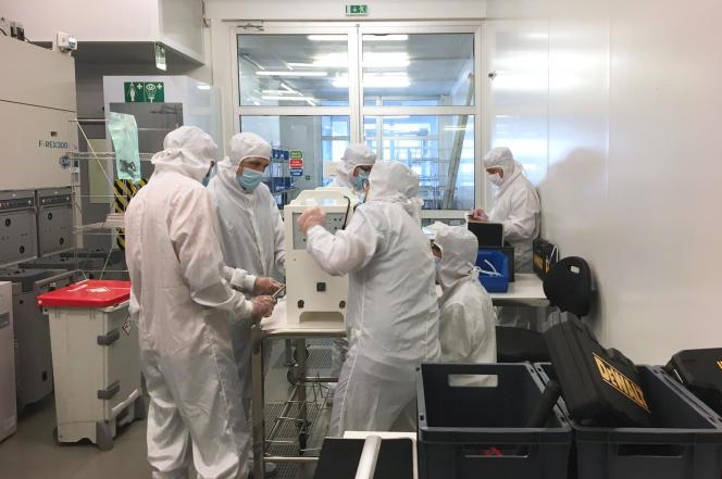 Assemblage des premières machines MakAir au Laboratoire d'électronique et de technologie de l'information (Grenoble).