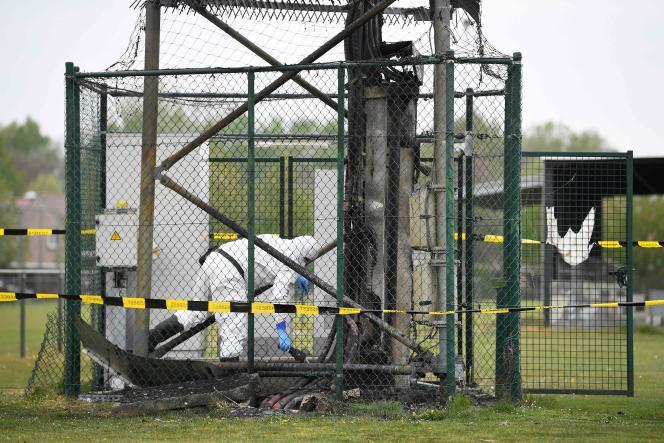 Une antenne visée par une tentative d'incendie volontaire à Pelt (Belgique), le 19 avril 2020.