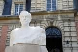 A l??Institut Pasteur, ‥  Paris, le 20 avril 2020.