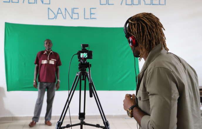 Prise vidéo au Lycée classique d'Abidjan, le 10 avril 2020.