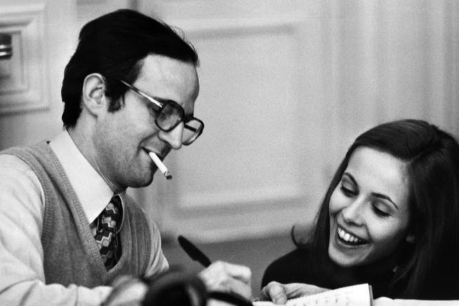 Le cinéasteFrançois Truffaut et l'actrice Claude Jade sur le tournage du film «Domicile conjugal» à Paris, en octobre 1970.