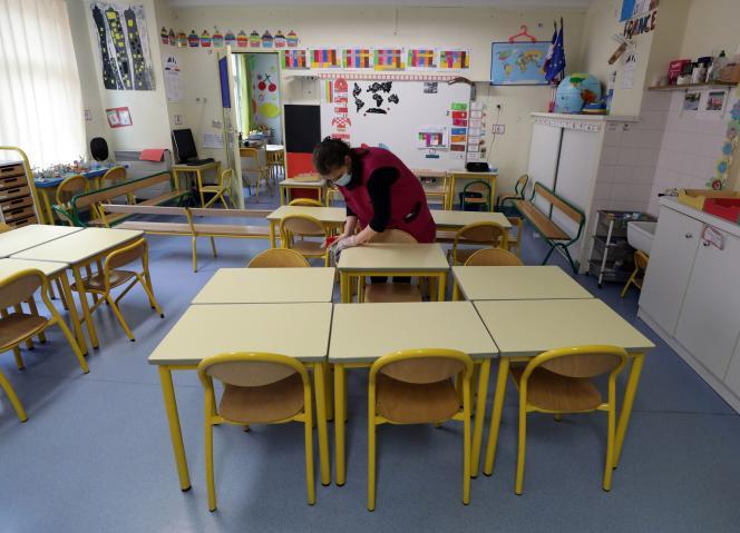 Dans une classe d'école primaire à Nice, le 22 avril.