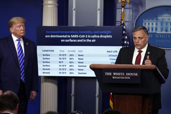 Bill Bryan, un haut responsable du département de la sécurité intérieure, s'exprime à la Maison Blanche, devant Donald Trump, le 23 avril à Washington.