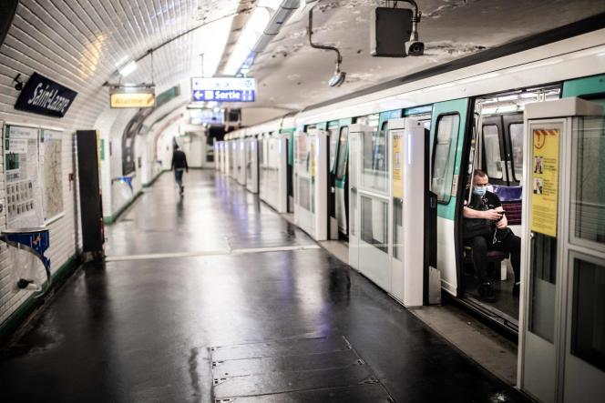 Sur la ligne 13 du métro parisien, le 23avril.