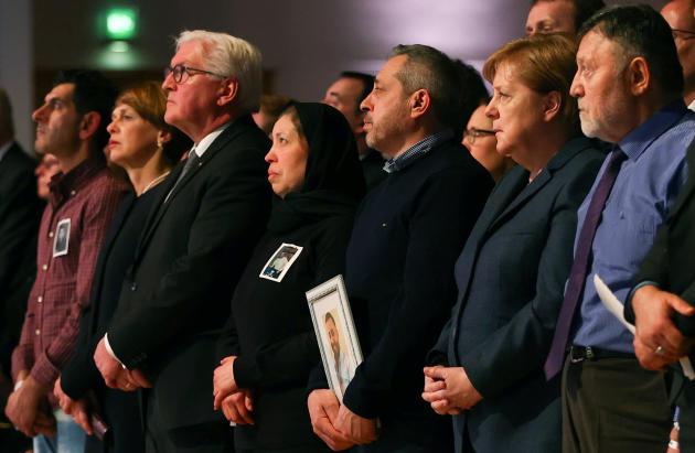 La chancelière allemande, Angela Merkel, commémore les victimes de la fusillade de Hanau, le 4 mars.
