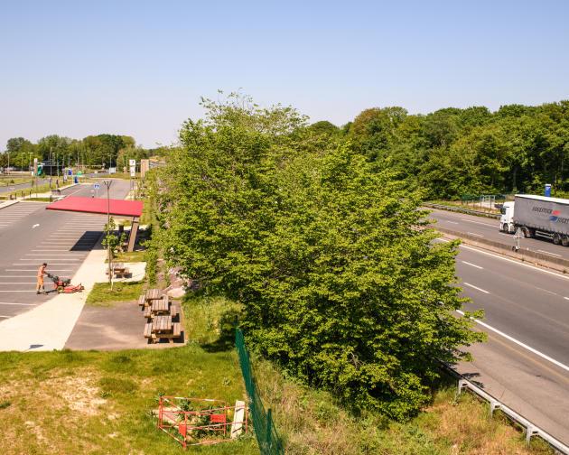 L'aire Orléans-Saran, sur l'autoroute A10, durant le confinement imposé pour lutter contre l'épidémie due au coronavirus, le 23 avril.