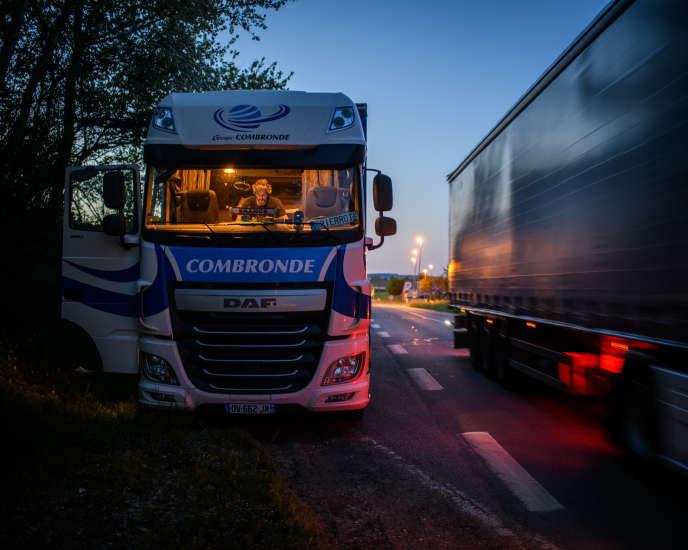 Le 24 avril, après une journée de travail, Pierre Audet, s'arrête le long d'une route départementale allant de Gien à Bourges (Cher) pour y passer la nuit.