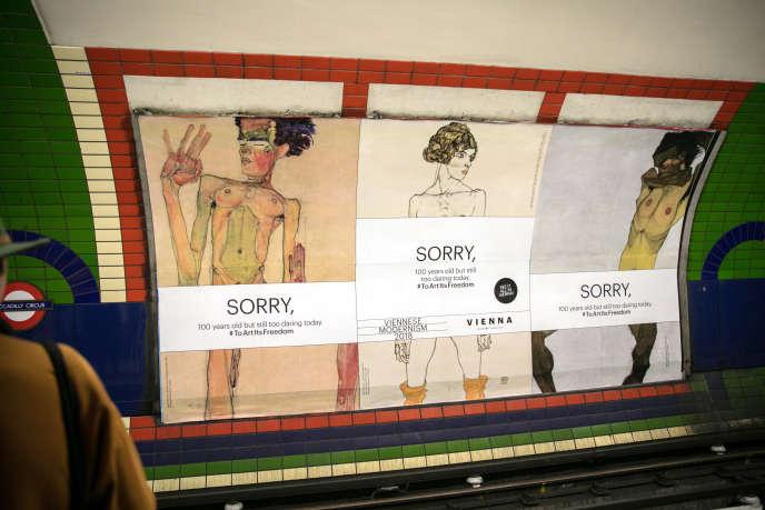 Une affiche de l'exposition consacrée à Egon Schiele dans le métro londonien, en novembre 2017.