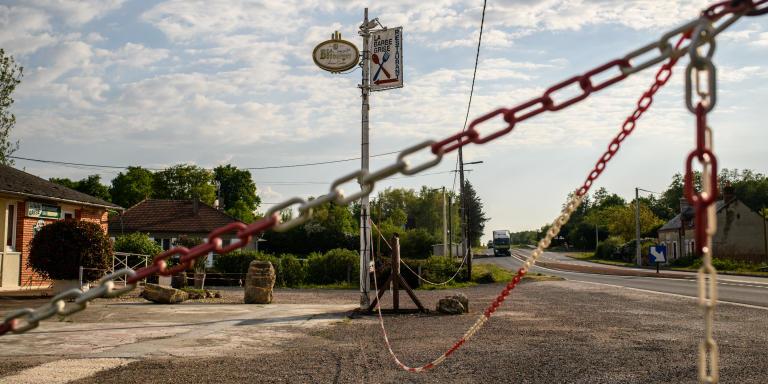 Le restaurant routier la barbe grise sur la départementale 940 est fermé depuis les mesures de confinement dû à l'épidémie de coronovirus COVID19. Coullons (45720). département du Loiret. région Centre-Val de Loire. France.