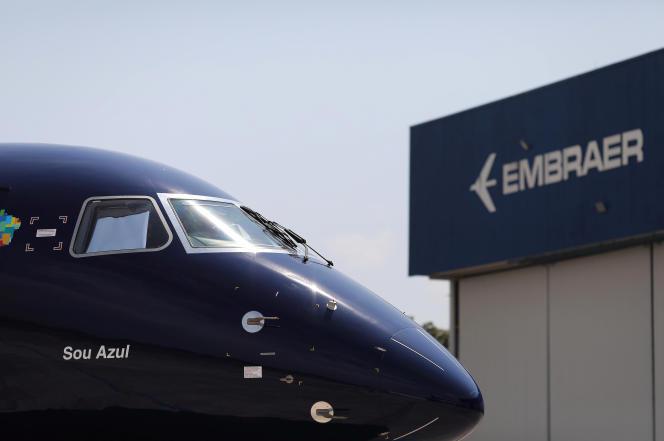 Un avion E2 du constructeur Embraer, àSão José dos Campos, le 12 septembre 2019.