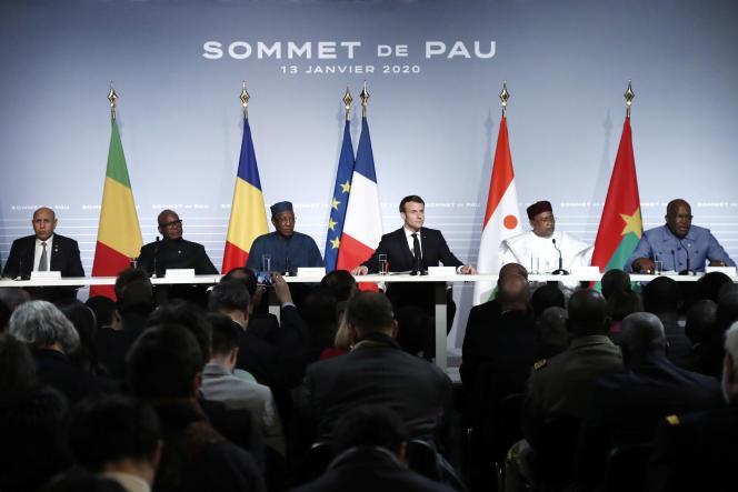 Le sommet de Pau du 13 janvier 2020, rassemblant les cinq présidents des pays du G5 Sahel (Mauritanie, Mali, Burkina Faso, Niger et Tchad), ainsi que le chef de l'Etat français.