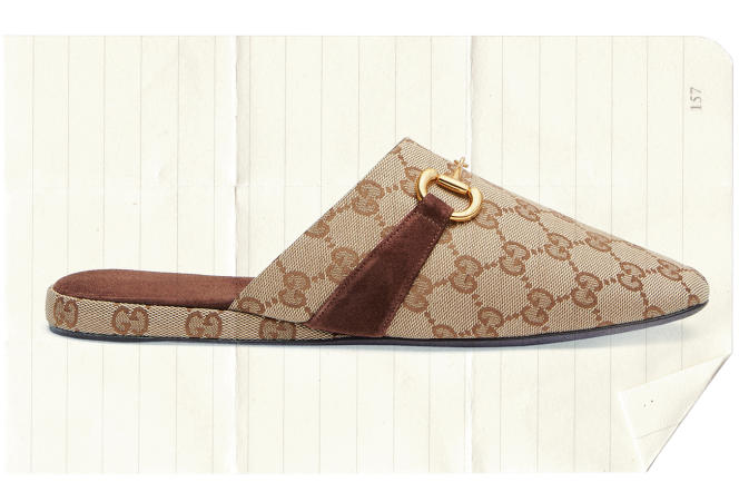 Slippers en toile GG, Gucci, 575 €.