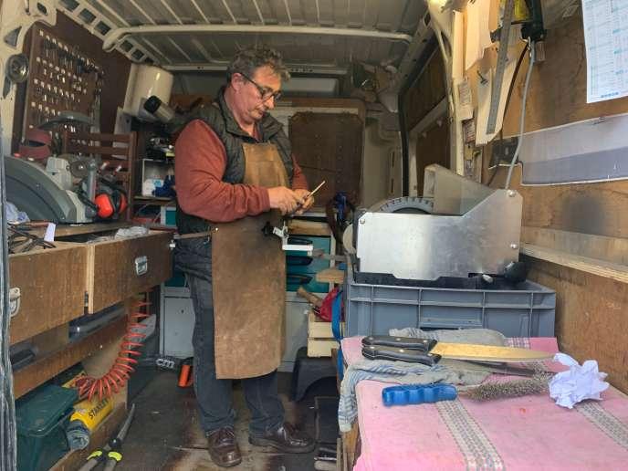 Philippe Delaunay, dans son véhicule utilitaire.