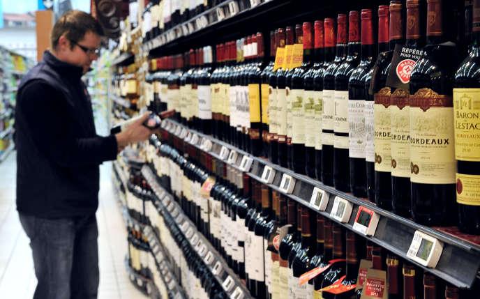Le climat anxiogène du confinement peut entraîner chez certaines personnes une augmentation de la consommation d'alcool.